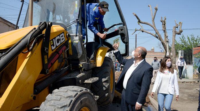 Avanza la renovación de colector cloacal en el barrio Juan XXIII